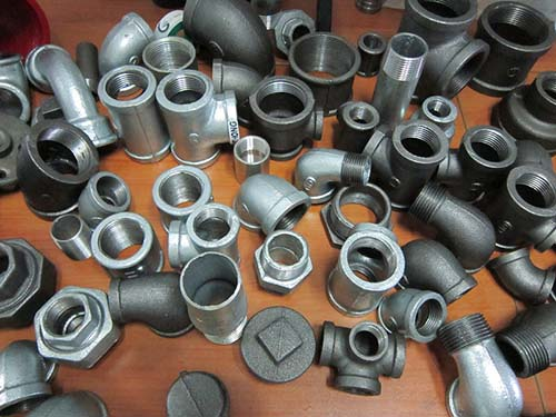 black malleable iron pipe fittings in china